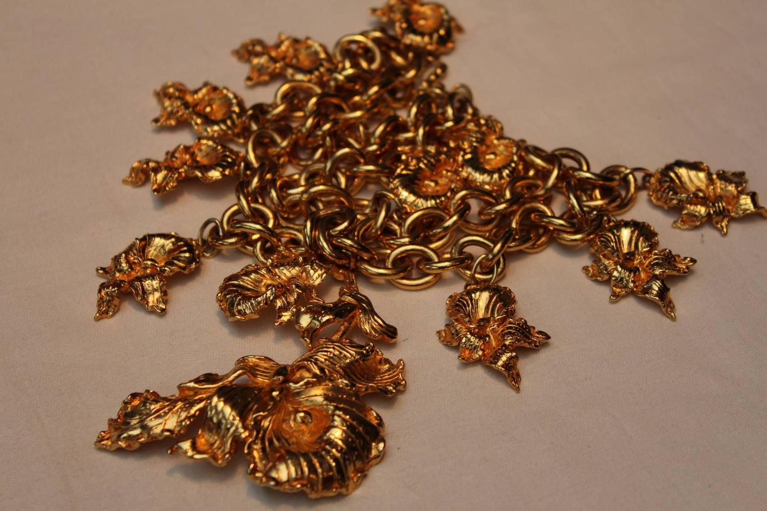 1980s Leonard Gilt Pansy Flowers Long Necklace For Sale at 1stdibs