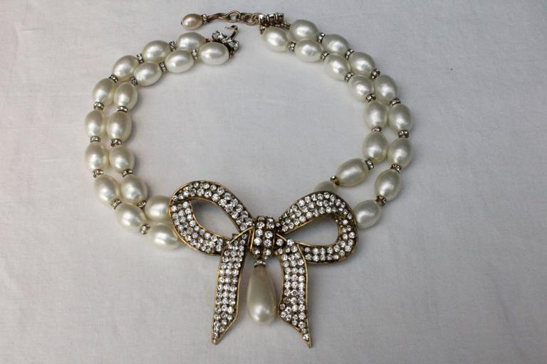 1970s Chanel Faux Pearls Necklace with Crystals Bow 3