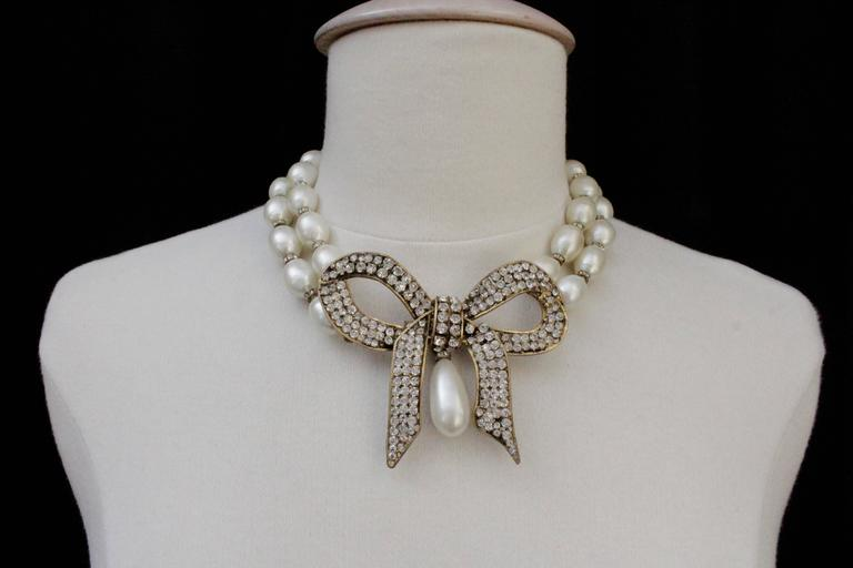 1970s Chanel Faux Pearls Necklace with Crystals Bow 2