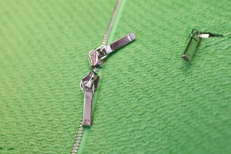 2014-2015 Chanel Oversize Coat in Apple Green Wool For Sale 3