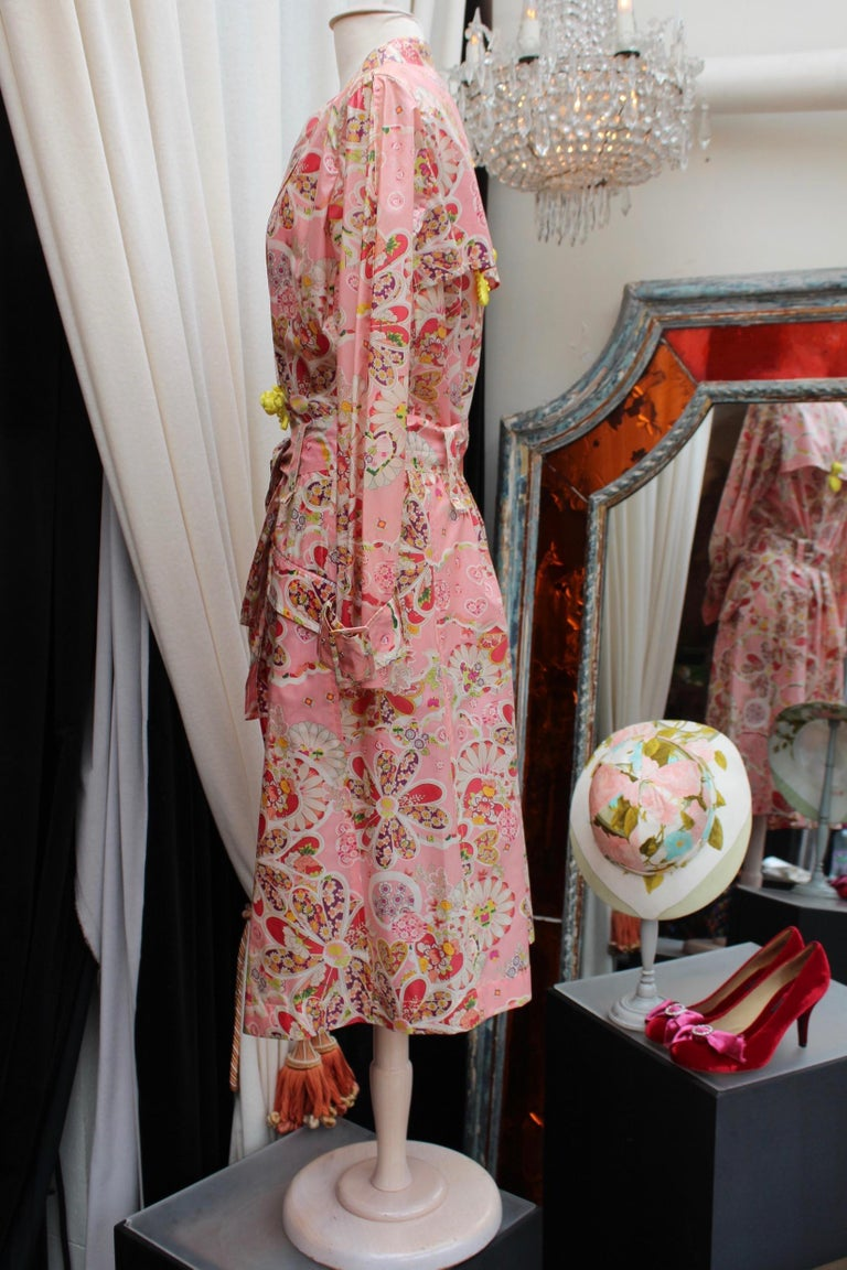 John Galliano gorgeous trench coat and pants set in pink silk with floral print For Sale 1