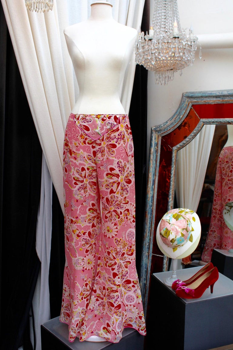 John Galliano gorgeous trench coat and pants set in pink silk with floral print For Sale 3