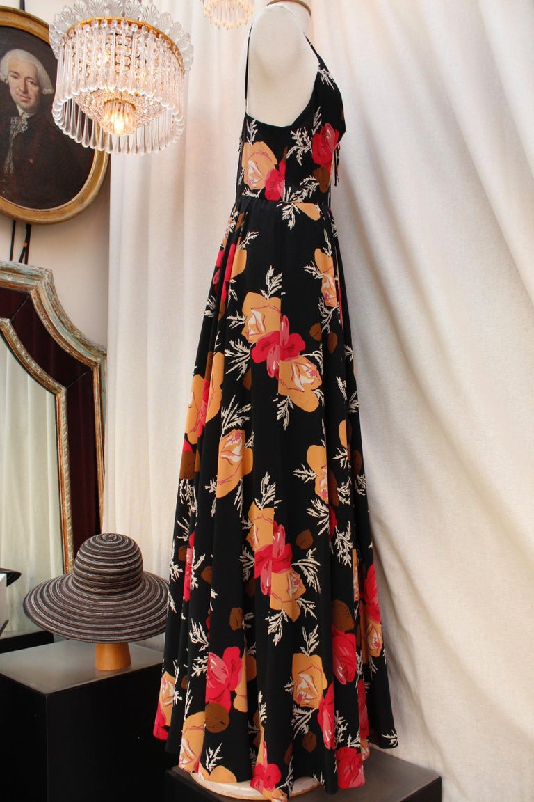 Nina Ricci lovely long dress with a summer jacket made of floral silk In Good Condition For Sale In Paris, FR