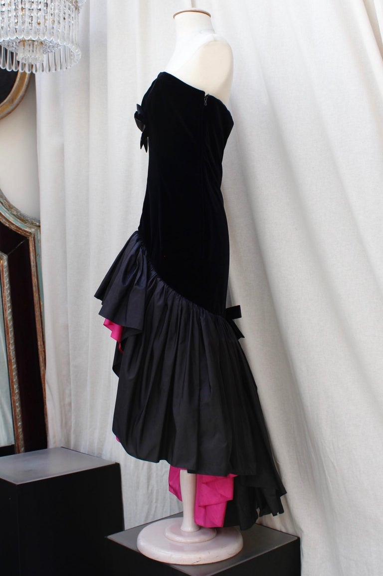 Saint Laurent Rive Gauche stunning black and fuchsia dress In Good Condition For Sale In Paris, FR