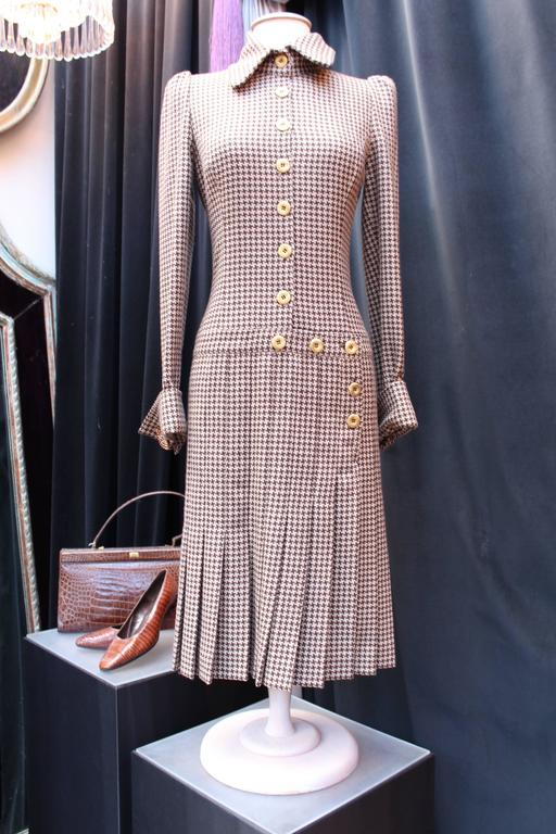 Fall 2004 Jean-Louis Scherrer Houndstooth Dress and Jacket Ensemble In Excellent Condition For Sale In Paris, FR