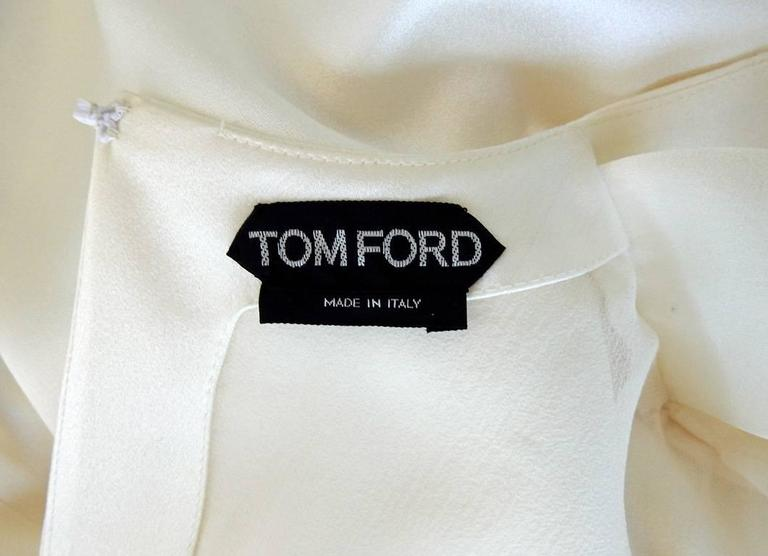 Tom Ford Winter White Plunging Neckline Evening Dress In Excellent Condition For Sale In Los Angeles, CA