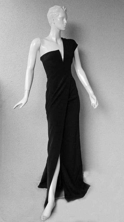 Black KaufmanFranco Asymmetric One Shoulder Sculptural Gown Runway  New For Sale