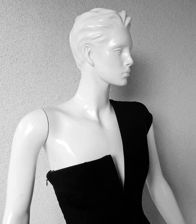 KaufmanFranco Asymmetric One Shoulder Sculptural Gown Runway  New In New Never_worn Condition For Sale In Los Angeles, CA