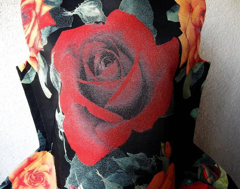 Comme des Garcons Tri-Dimensional Floral Pattern Flat Dress In New Never_worn Condition For Sale In Los Angeles, CA