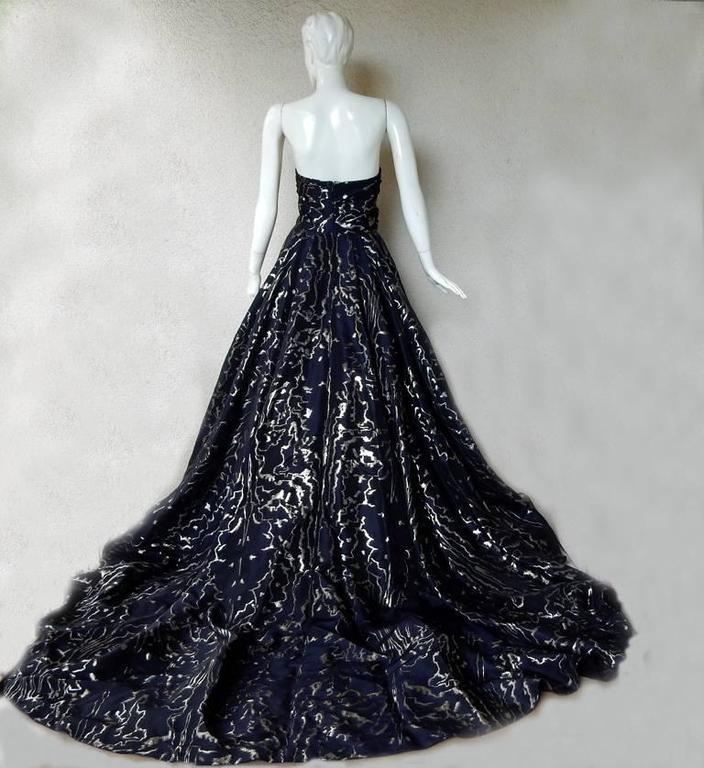 Oscar de la Renta Magnificent Dramatic Hi Fashion Ballgown 4