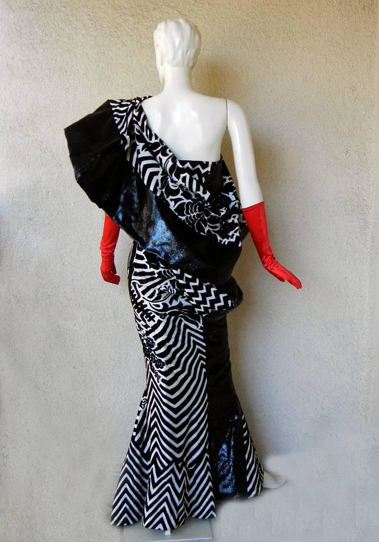 "Christian Dior by John Galliano Asian Kabuki ""Elvira"" Runway Gown - rare museum For Sale 1"