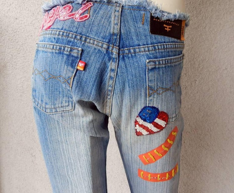 Kosiuko Rare Vintage Jeans with Large Roses Embellished Jeans  New Condition   For Sale 3
