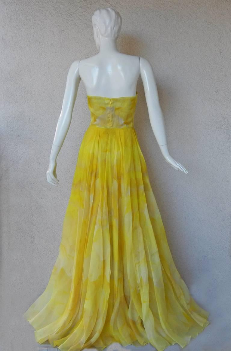 Green Alexander McQueen Daffodil Yellow Strapless Silk Organza Evening Dress Gown For Sale