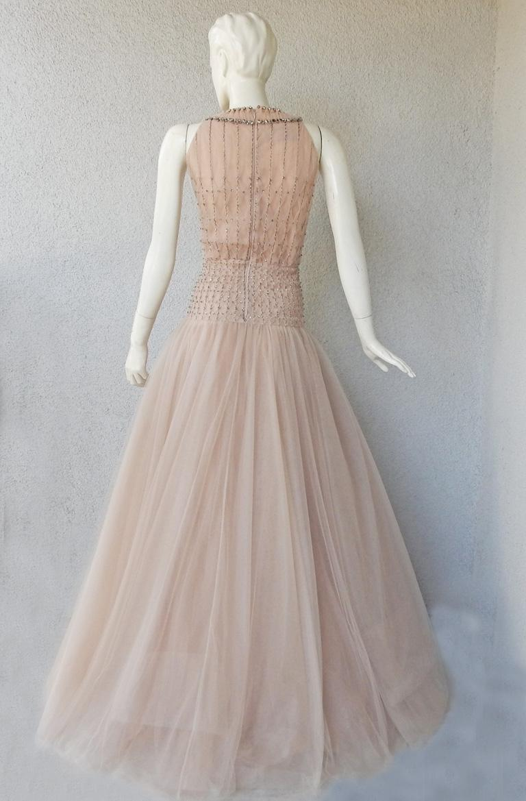 Valentino $19K Fantasy Silk Net & Tulle Beaded Pink Gown  New! For Sale 4