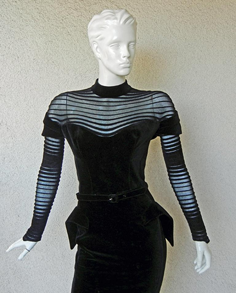 Women's  Thierry Mugler Dramatic Iconic Siren Velvet Dress in Galaxy Book  Collectors! For Sale