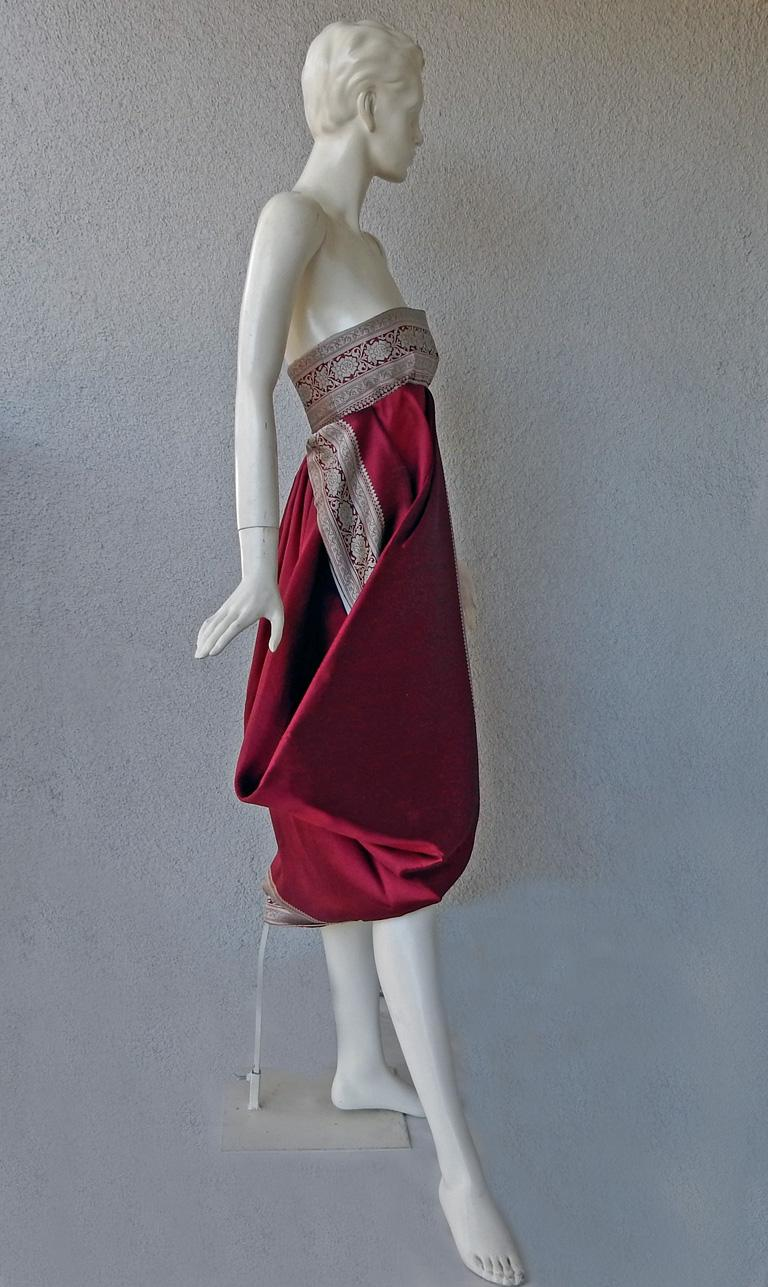 Alexander McQueen 2008 Look of Royalty Red and Silver Strapless Dress In New Condition For Sale In Los Angeles, CA