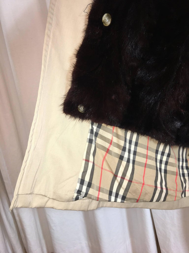 Burberry Double Breasted Trench with Fur Lining In Good Condition For Sale In Southampton, NY