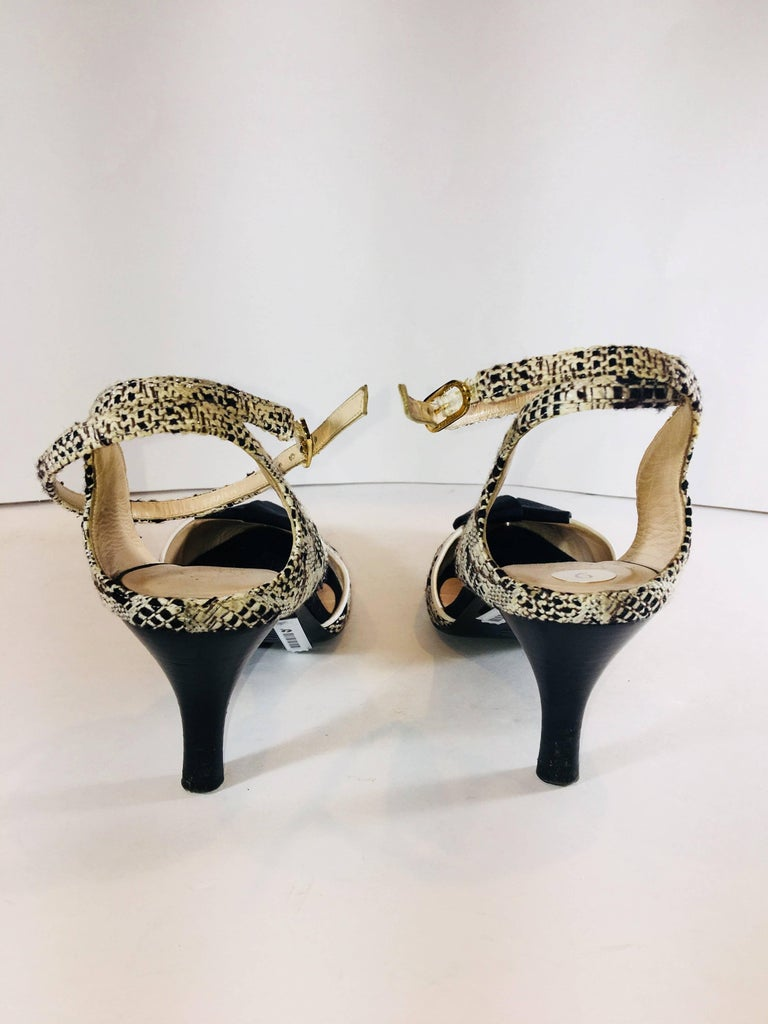 Chanel Round Toe with Bow Accents In Excellent Condition For Sale In Southampton, NY