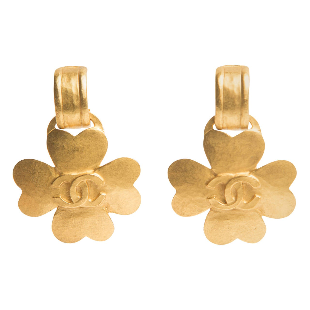 Chanel Gold Clover Dangle Clip Earrings For Sale