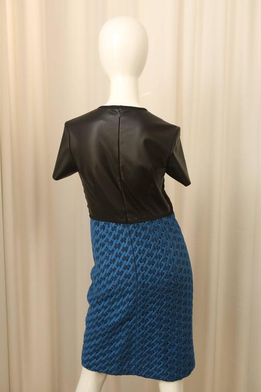 Women's Derek Lam Black and Blue Short Sleeve Dress For Sale