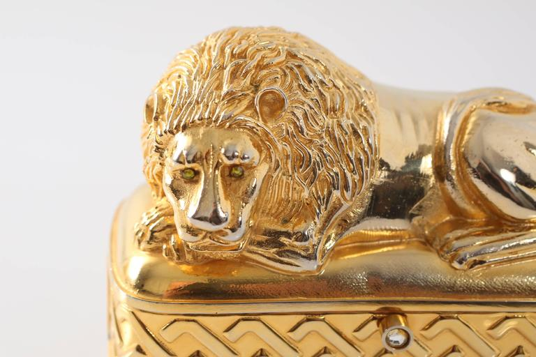 Vintage Judith Leiber Gold Lion Minaudiere In Good Condition For Sale In Southampton, NY