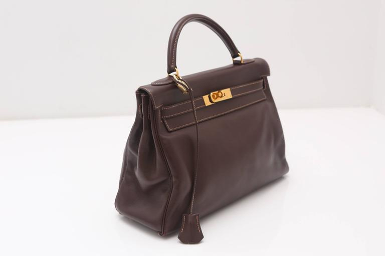 Hermes 32CM Brown Leather Kelly Handbag Circa 1994 In Good Condition For Sale In Southampton, NY
