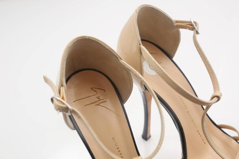 Giuseppe Zanotti Nude& Black Patent Leather Double Platform TT-Strap Sandals In Fair Condition For Sale In Southampton, NY