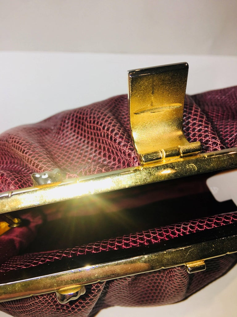 Judith Leiber Frog Charm Clutch In Good Condition For Sale In Southampton, NY