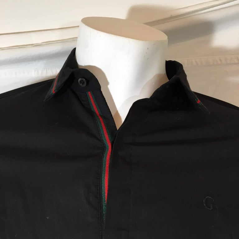 0e8fe9dd3 Mens Gucci Button Down Dress Shirt. Black Cotton with Red And Green Stripe  Trim and