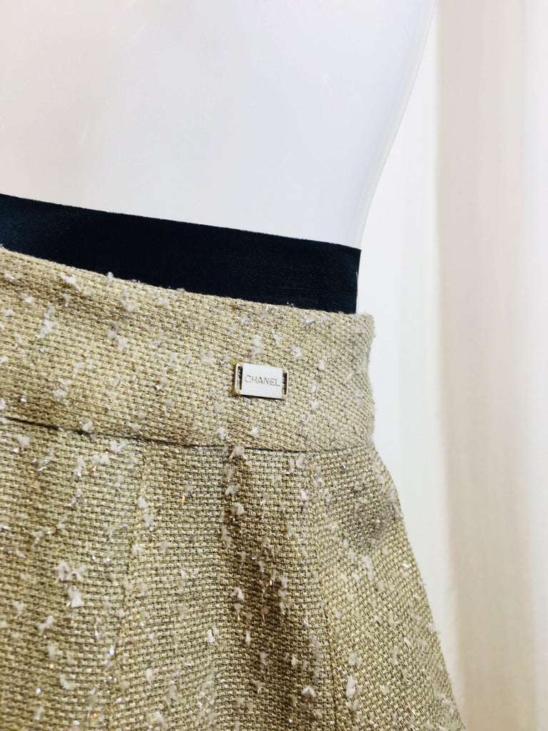 Chanel Taupe Tweed Skirt  In Fair Condition For Sale In Southampton, NY