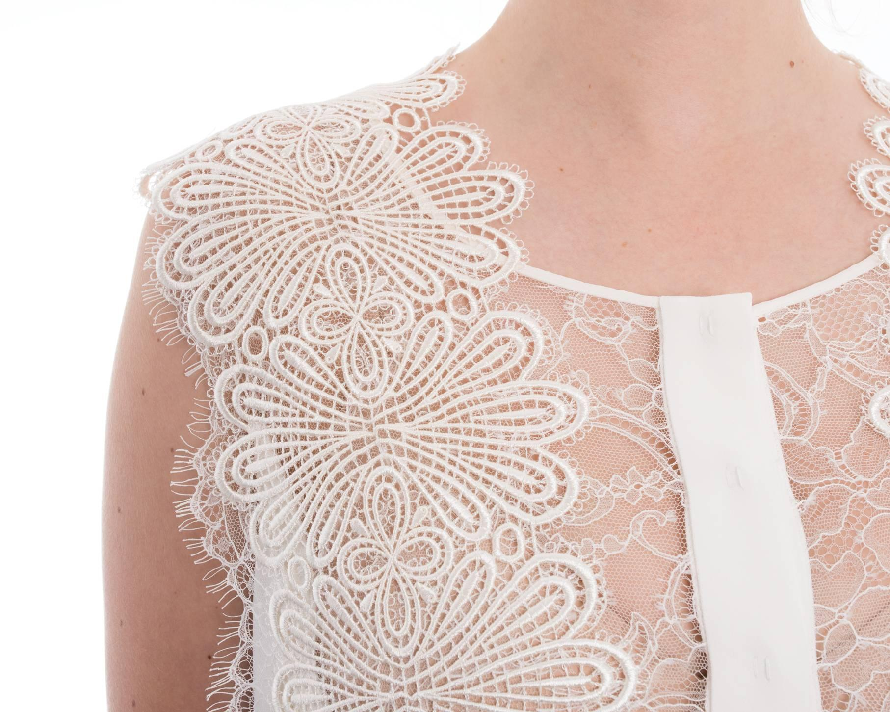 Alberta ferretti white sleeveless blouse with guipure lace