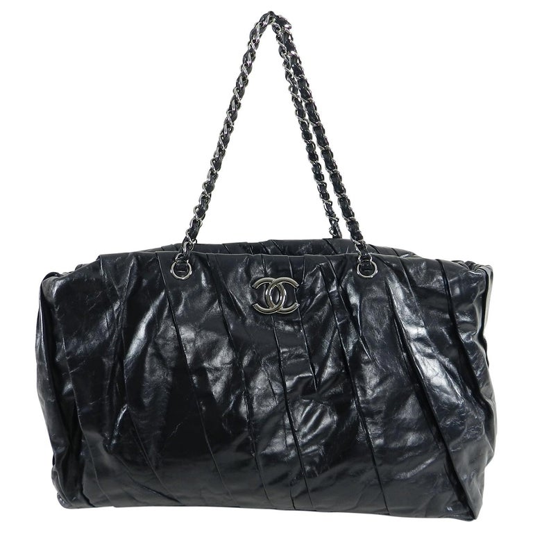 8c69c8e4f26 Chanel Large Black Glazed Calfskin Pleated Tote Bag at 1stdibs