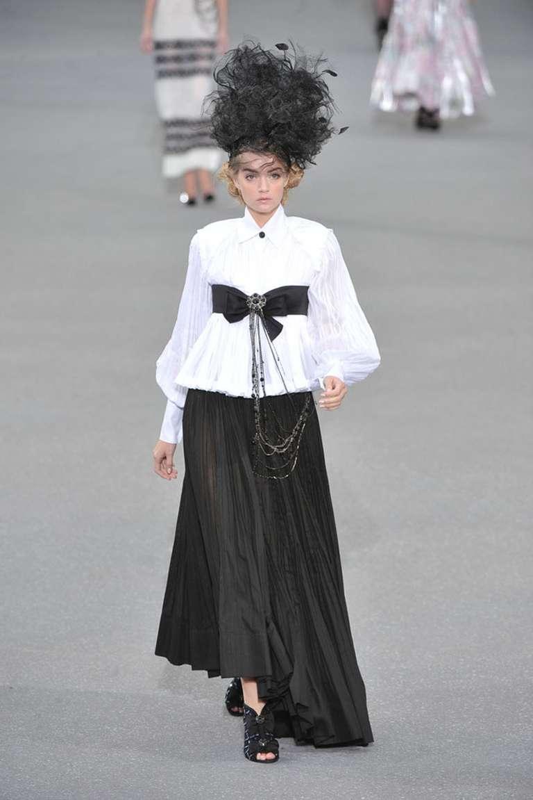 Chanel 09P White Pleated Blouse w Black Silk Ribbon 2