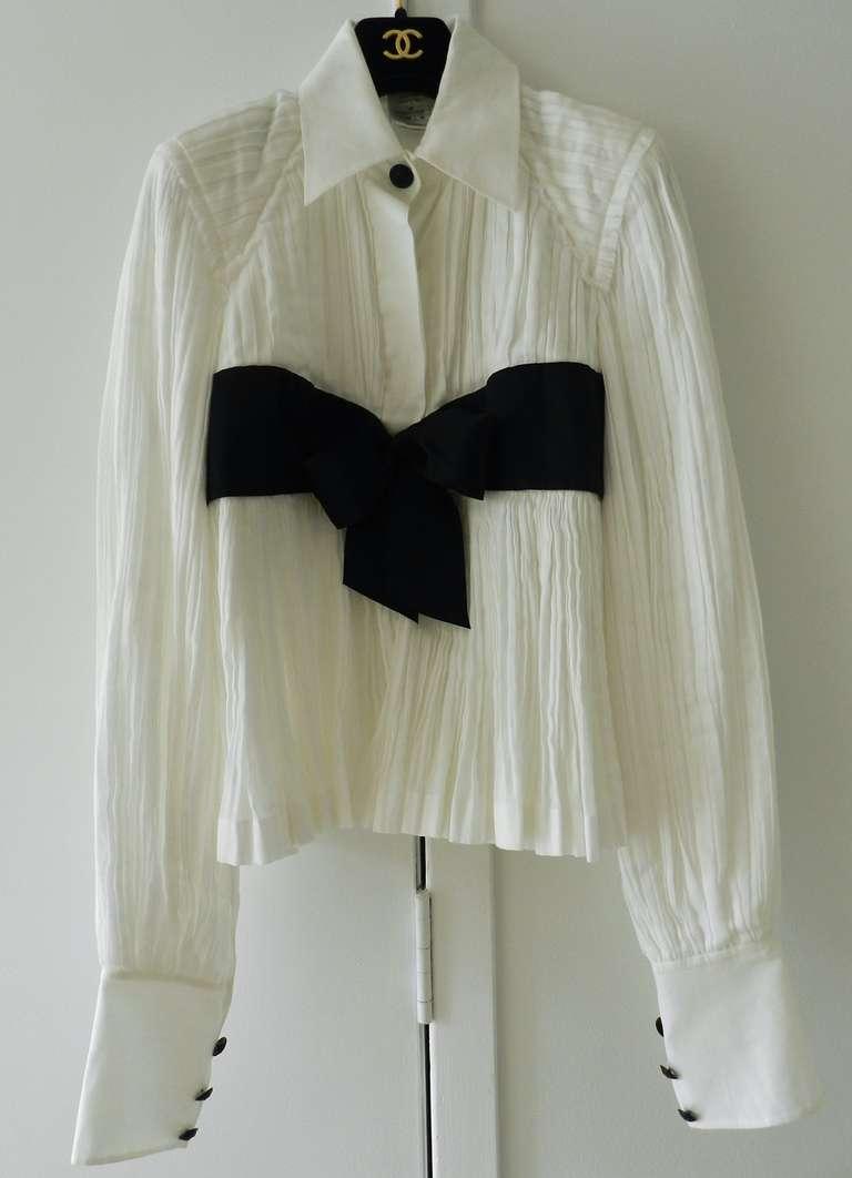 Chanel 09P White Pleated Blouse w Black Silk Ribbon 4