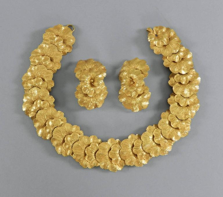 Vintage Dominique Aurientis Gilt Necklace and Earrings Set In Excellent Condition For Sale In Toronto, ON