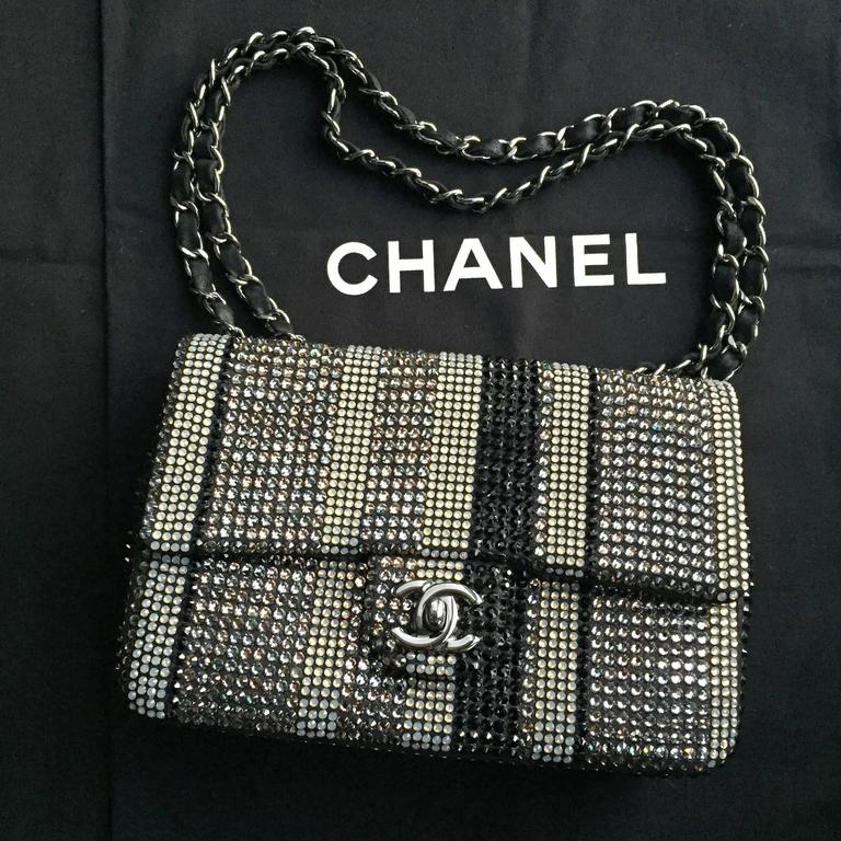Chanel Limited Edition Strass bag - Classic Flap Mini  3
