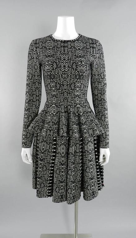 Alaia Black and White Knit Jersey Peplum Top and Flare Skirt Set For Sale 5