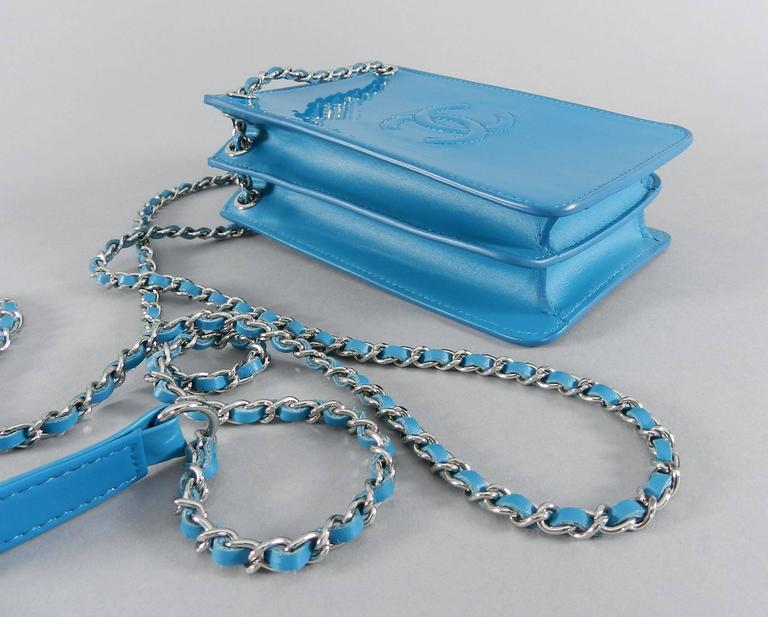 cdf36a47bf1c Chanel 14P Runway Turquoise Patent Crossbody Phone Case / Bag In Excellent  Condition For Sale In