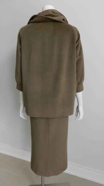 Nina Ricci 1960's Brown Cashmere Skirt Suit In Excellent Condition For Sale In Toronto, CA