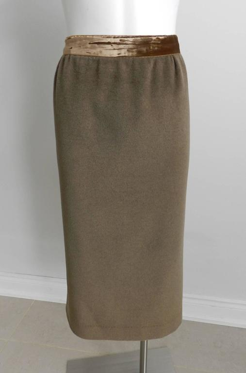 Nina Ricci 1960's Brown Cashmere Skirt Suit For Sale 2