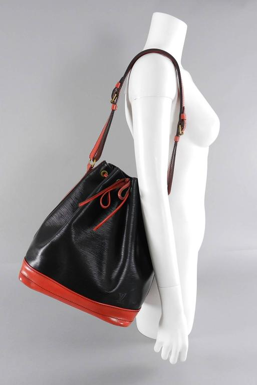 a0d71e24dc84 Louis Vuitton Vintage 1992 Grand Noe Bag - Red and Black Epi leather. Date  code