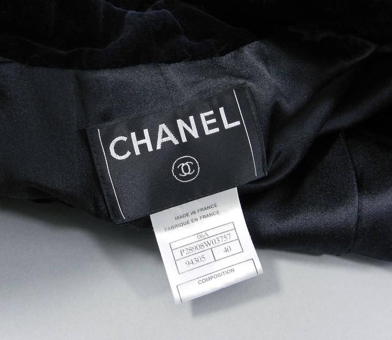 Chanel 06A black Crop Quilted Jacket with Velvet Collar 6