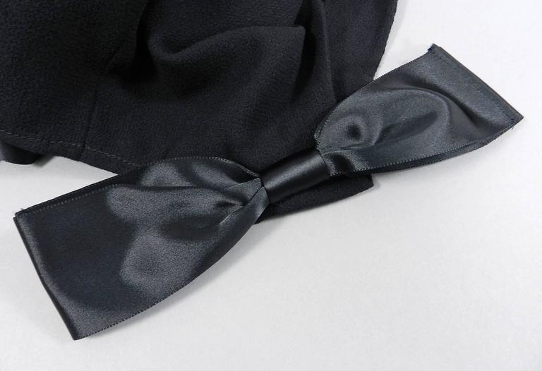 Oscar de la Renta Black Wool Cocktail Dress with Silk Satin Bows 8