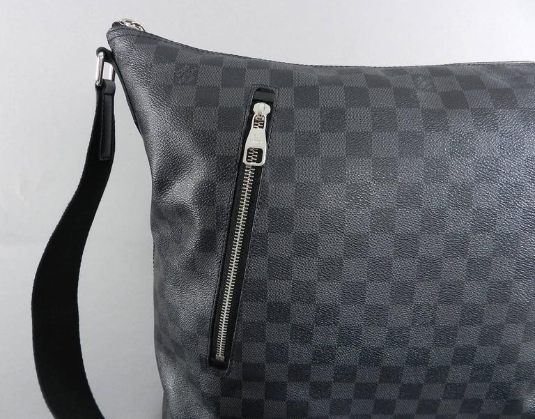 4afce9b3d Louis Vuitton Damier graphite Mick GM messenger bag For Sale 1