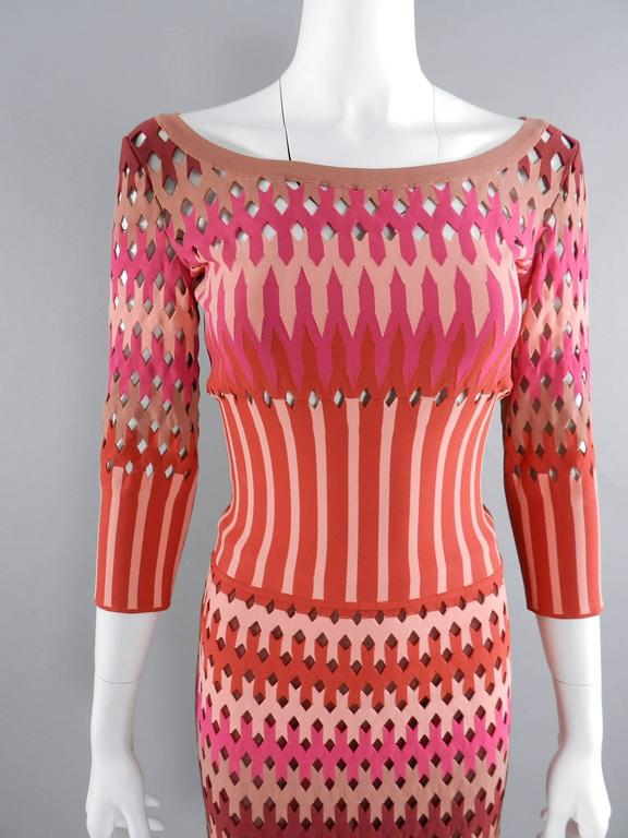 Women's ALAIA red and pink cut out diamonds bodycon stretch dress For Sale