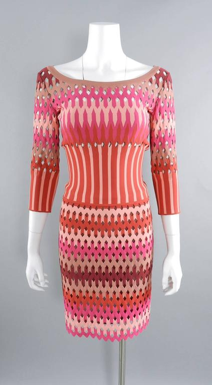 ALAIA red and pink cut out diamonds bodycon stretch dress For Sale 3