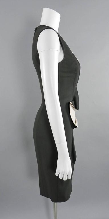 Elie Saab Dark Gray and Shell Pink Wiggle Dress with Ruffle In Excellent Condition For Sale In Toronto, ON