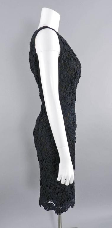 Pierre Balmain Haute Couture by Oscar de La Renta Black Lace Dress 1990's In Excellent Condition For Sale In Toronto, ON