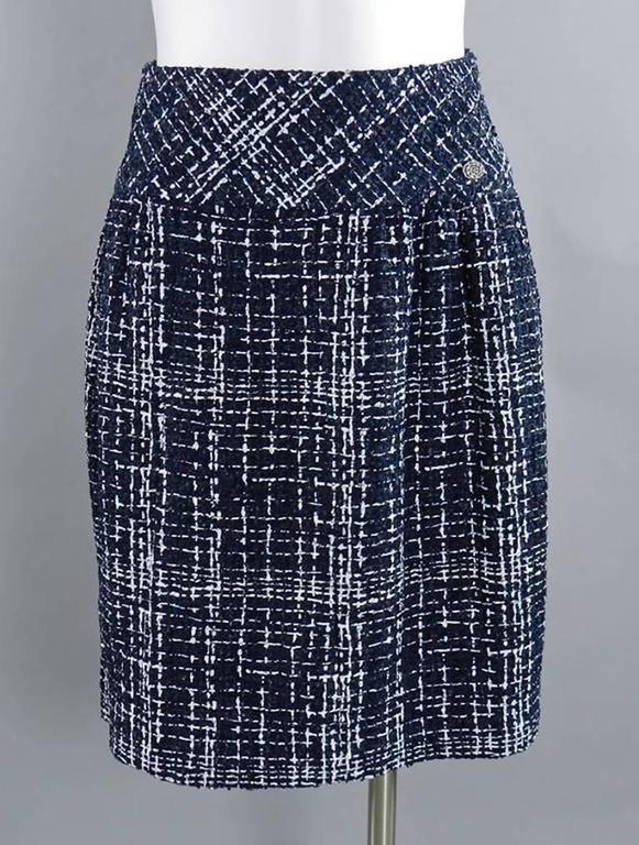 Chanel 14P Runway Navy and White off Shoulder Skirt Suit 9