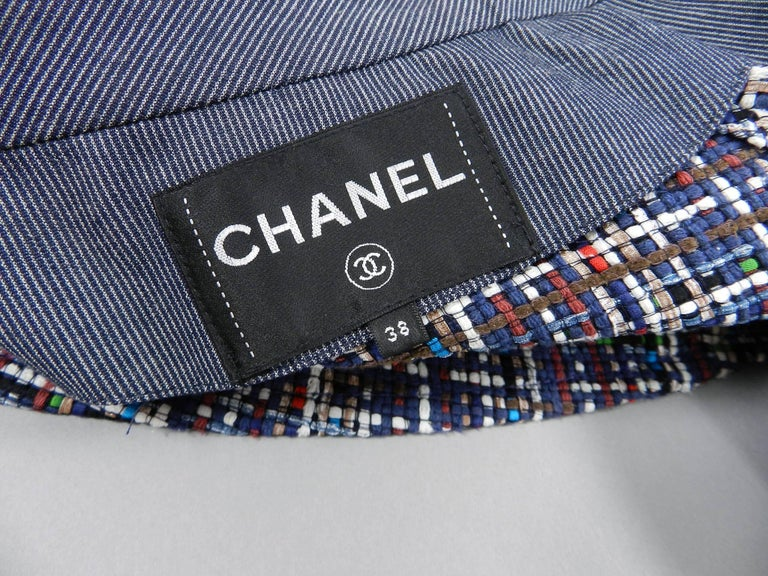 Chanel 17P 2017 Spring Navy / multi tweed Coat w Pearl Buttons For Sale 5